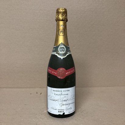 1 bottle CHAMPAGNE PERRIER JOUET 1976 Brut...