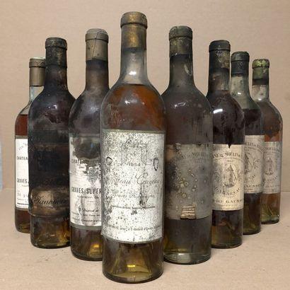 8 bouteilles : 1 CHÂTEAU CRUZEAU 1954 Graves,...