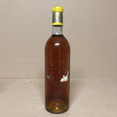 1 bouteille CHÂTEAU D'YQUEM 1971 1er Cru...