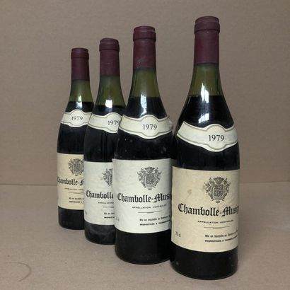 4 bouteilles CHAMBOLLE MUSIGNY 1979 (niveaux...