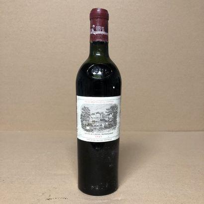 1 bouteille CHÂTEAU LAFITE ROTHSCHILD 1945...