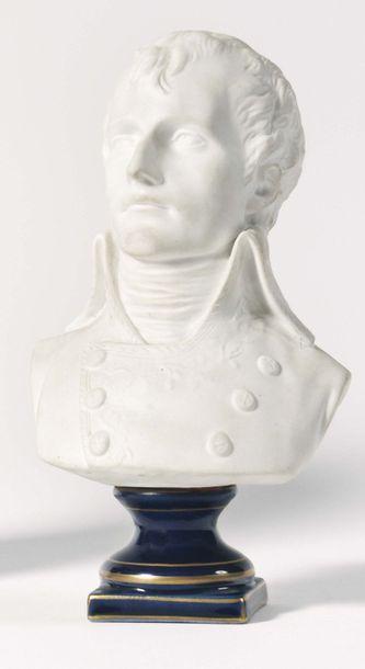 « Bonaparte 1er Consul ». Buste en biscuit...