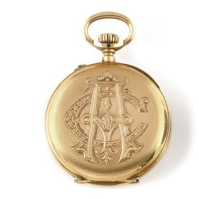 Pocket watch circa 1900 Case and dust cover in 18k yellow gold. Beautiful oval,...