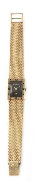 LECOULTRE, vers 1960 Elégante montre bracelet...
