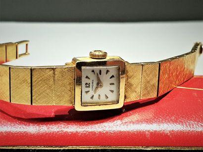 LONGINES vers 1950 Montre de dame en or jaune...