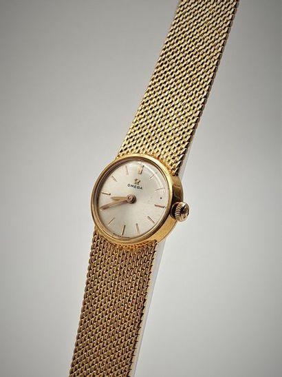 OMEGA vers 1960 Elégante montre de dame en...