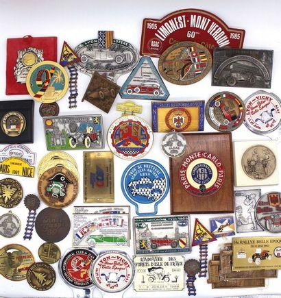 Badges ou médailles de courses et rallyes...