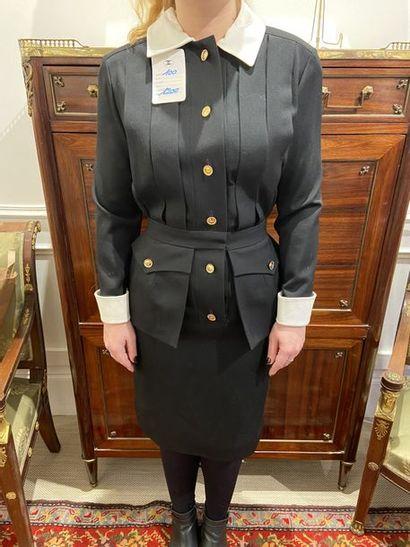 CHANEL BOUTIQUE Robe en laine modèle 23 collection...