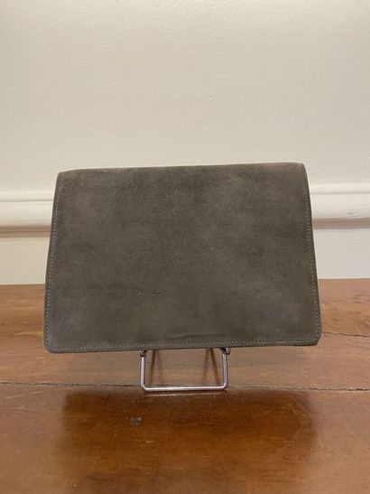 HERMES PARIS Sac pochette en daim gris à...