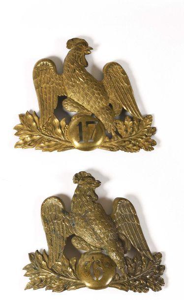 Trois plaques de shako Monarchie de Juillet....