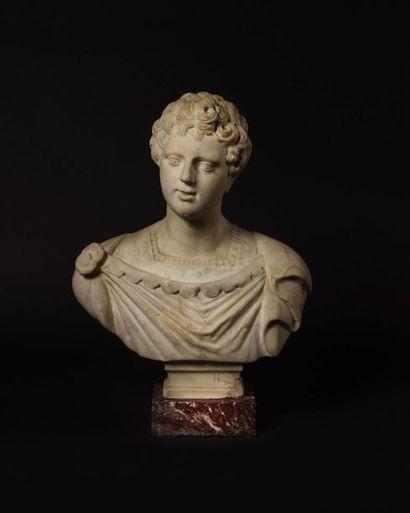 Buste de jeune romain peut-être un jeune...