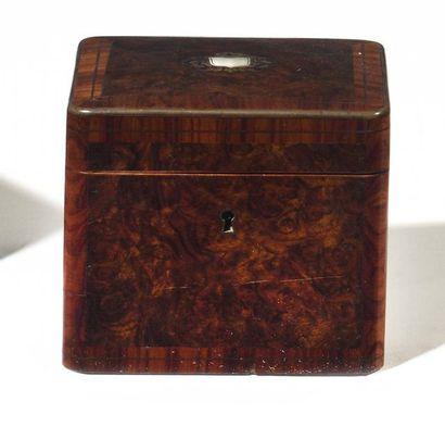 Boîte à thé en bois de loupe et bois de rose...
