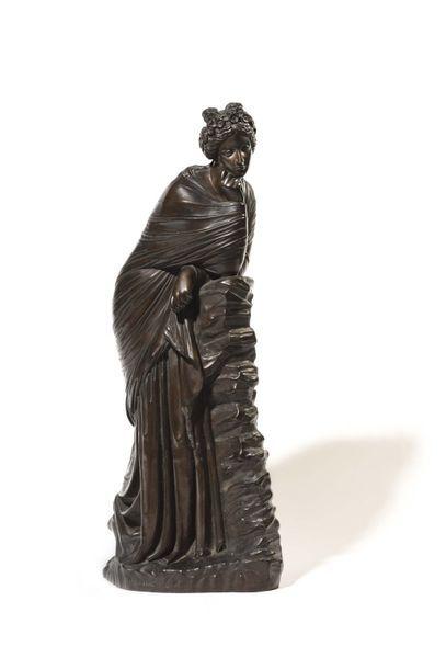 Grande figure en bronze à patine brune représentant...