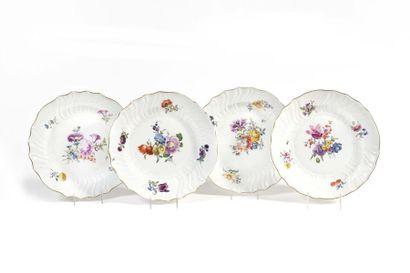 Meissen Quatre assiettes en porcelaine à...