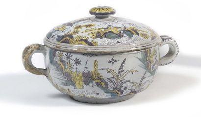 Delft Pot couvert muni de deux anses et garni...