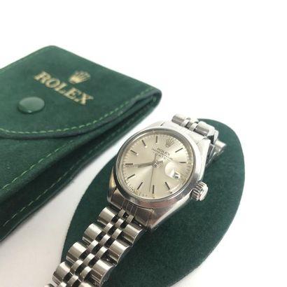 ROLEX Oyster Perpetual Date Montre bracelet de dame en acier. Boîtier rond, couronne...