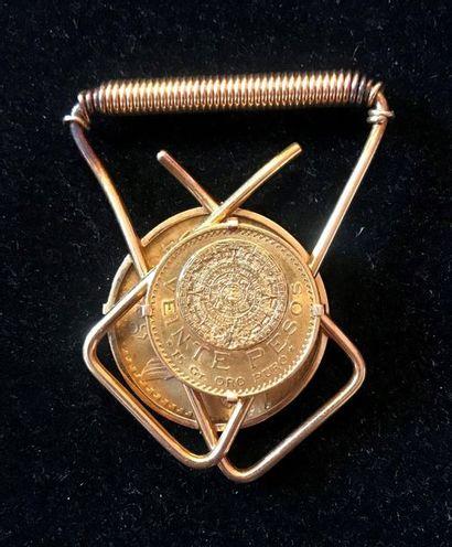 MEXIQUE Pince à courrier en métal doré comprenant...