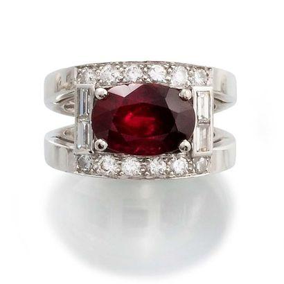 BAGUE en or gris 750 millièmes, diamants de taille brillant moderne et baguette...