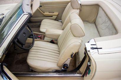 1977 MERCEDES-BENZ 450 SL Numéro de série 10704412041643  Modèle recherché en V8...