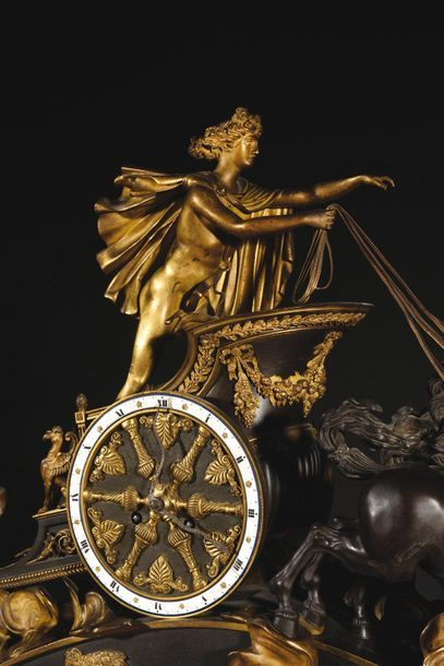 """Importante pendule dite le """"Char d'Apollon"""", ou """"Char de Phaéton"""" en bronze patiné..."""