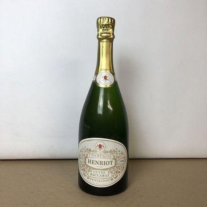 1 bouteille CHAMPAGNE HENRIOT 1982 Vintage...
