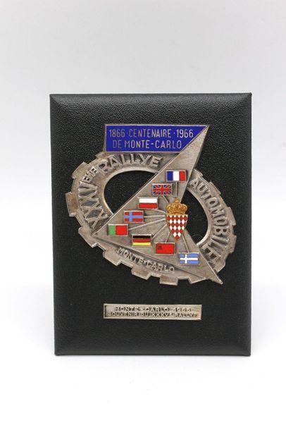 Badge du XXXV° Rallye Monte Carlo 1966  Badge...