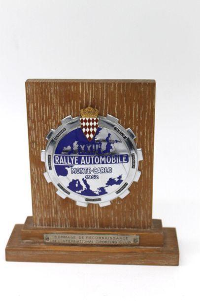 Badge du XXII° Rallye Monte Carlo 1952  Badge...