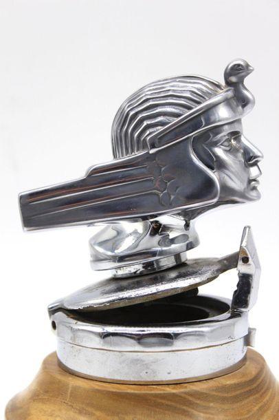 "Automobiles STUTZ, Goddess ""RA""  Stutz Automobiles mascot, signed S.M.C.C°, Indianapolis,..."