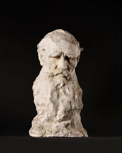 ARONSON Naoum (1873-1943)  Portrait de Leon Tolstoï  Plâtre  Signé « N.Aronson »...