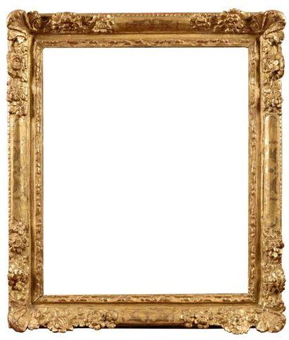 FRANCE - XVIIIe siècle Cadre en bois redoré...