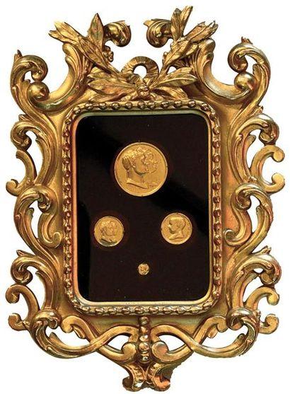 EMPIRE Cadre ancien en bois doré (18 x 13,8...