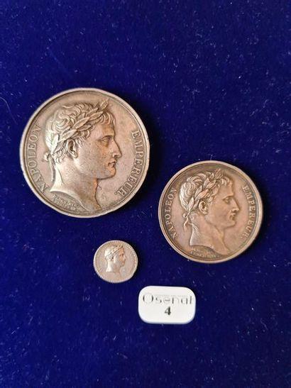 Ensemble de trois médailles en argent du...