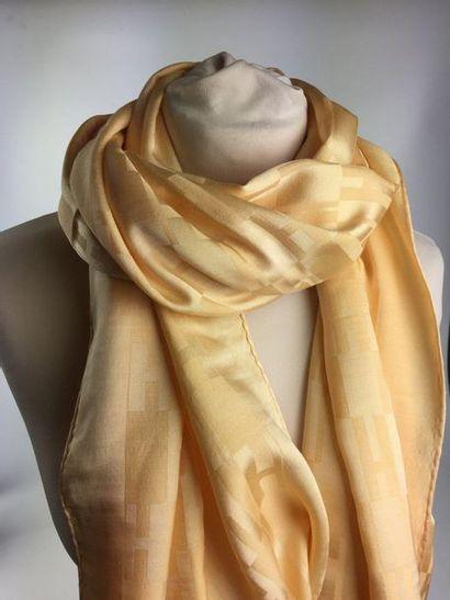 HERMES Etole en laine et soie à motif H....