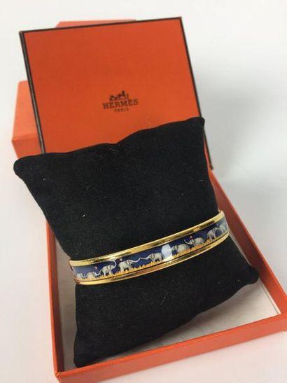 HERMES Bracelet en émail à décor d'éléphants....