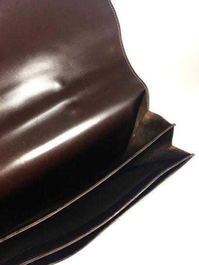 HERMES PARIS Brown boxed dispatch bag with its keys. Circa 1960 Long: 38 cm Very...