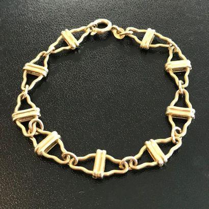 Bracelet en or jaune 10k à maille ajourée...