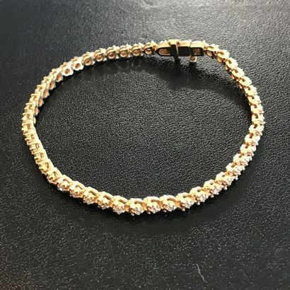 Fin bracelet en or jaune 14k orné de petits...