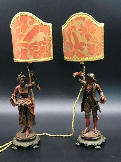 Paire de lampes en régule polychrome