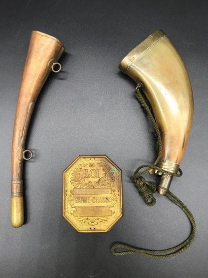 Lot de chasse:  Une plaque de garde-chasse...