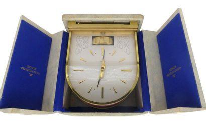 """""""JAEGER-LECOULTRE """"""""Atmos"""""""" Réalisée vers 1960. Belle et rare horloge Atmos de forme..."""