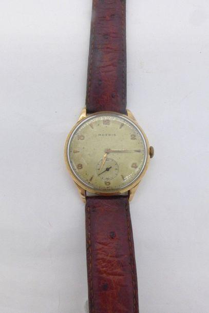 MOERIS VERS 1950/60 Montre bracelet en or jaune 750 millièmes, BOITIER : rond à...