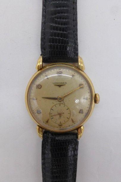 LONGUINES Montre-bracelet d'homme en or jaune 750 millièmes, la montre de forme...
