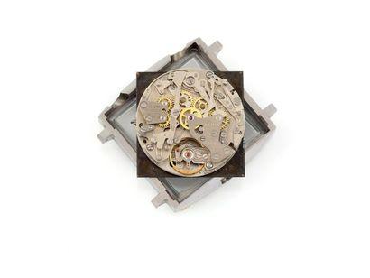HEUER MONACO. Vers 1970. Réf. 1133/163361. Chronographe acier rectangulaire automatique....