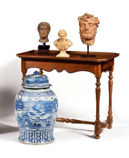 Chine Grande potiche couverte en porcelaine...