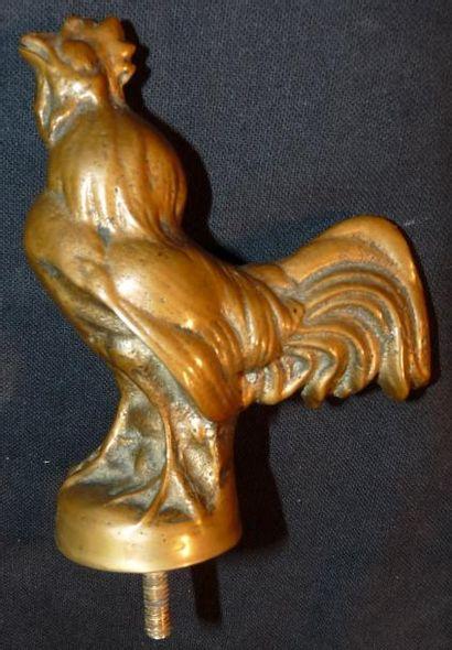 Mascotte représentant un coq en bronze, non...