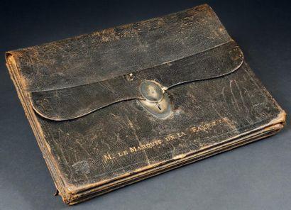 IMPORTANT PORTEFEUILLE À SOUFFLETS DU M. LE MARQUIS DE LA FAYETTE (1757-1834). En...