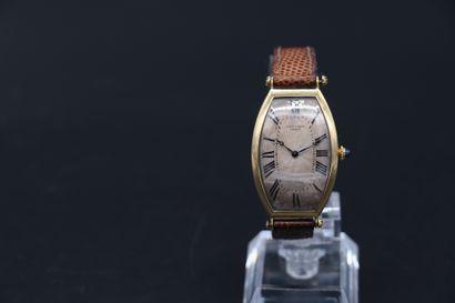 CARTIER Tonneau Rare et unique exemplaire du modèle Tonneau de la maison Cartier...
