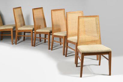 DYRLUND Editeur Six chaises néoclassiques en bois naturel mouluré à dossier rectangulaire...