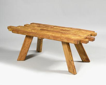 TRAVAIL BRUTALISTE Table basse en brique...