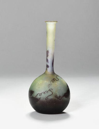 ETABLISSEMENT GALLE Vase circulaire à panse...